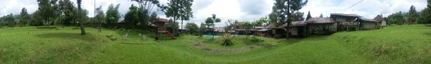 Home Stay Sidomukti Taman Kolam Renang 2