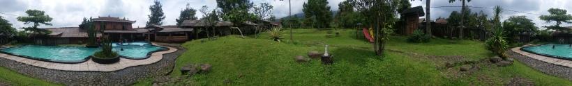 Home Stay Sidomukti Taman Kolam Renang